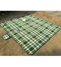 HS Extra Large Picnic And Outdoor Water Resistant Blanket, Green Plaid